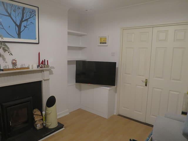 Built-in corner unit and TV